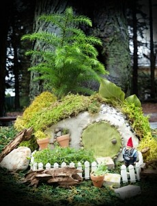hobbit gnome miniature garden house